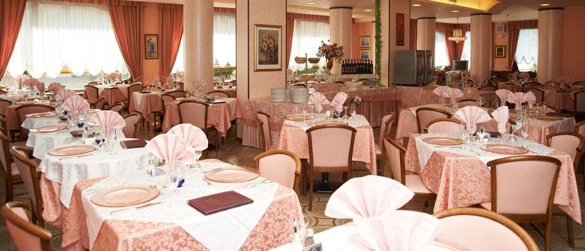 Hotel Cristallo, Malcesine, Lake Garda, Italy - Dining room.jpg